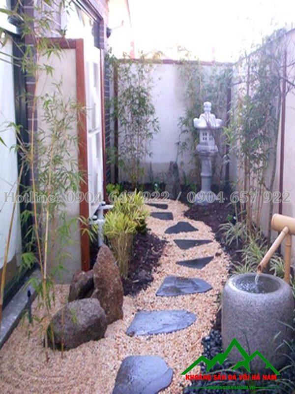 đá cuội trang trí rải sân vườn