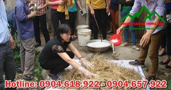 Vôi để ủ rơm trong trồng nấm