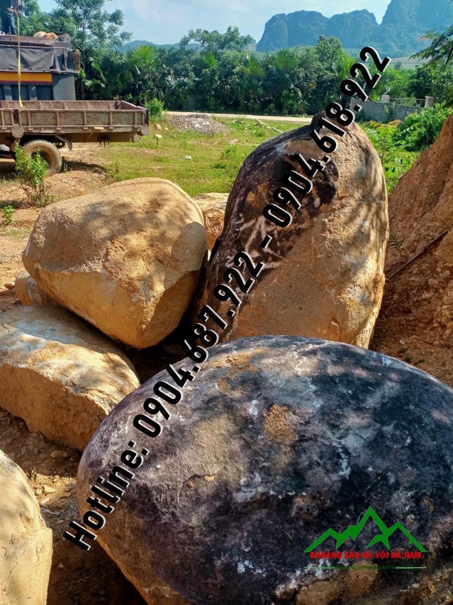 đá cuội lớn