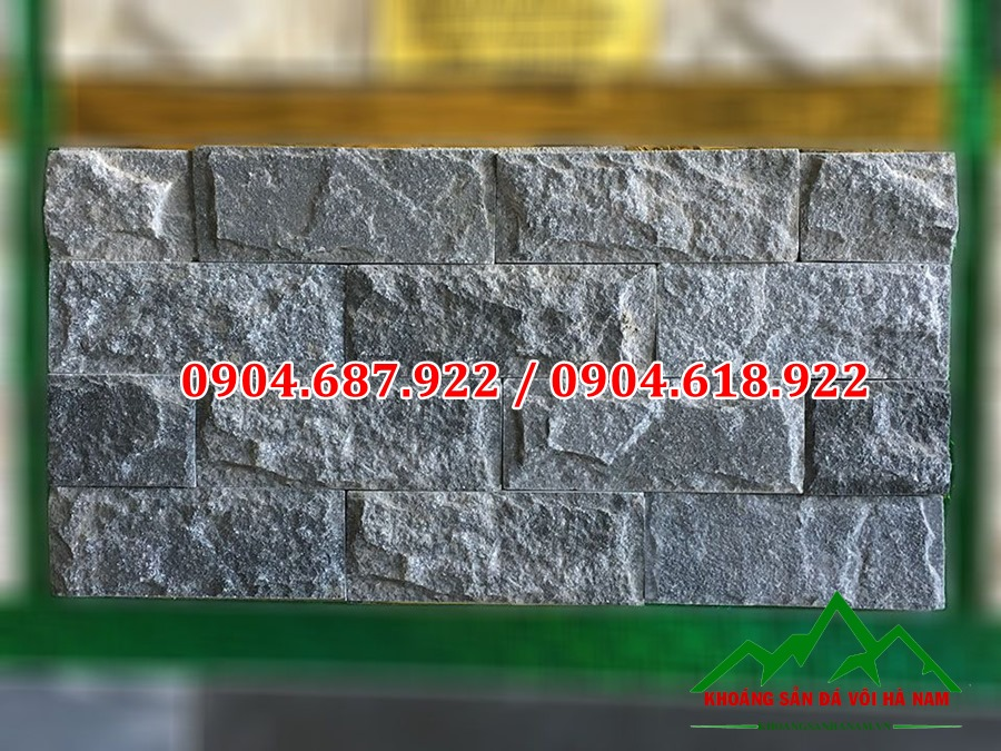 đá bóc đen ốp tường